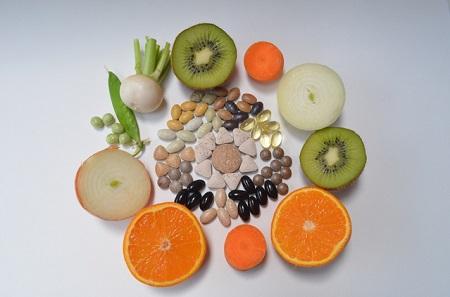 目立ち毛穴、黒ずみ、たるみ毛穴、毛穴ケアに効果的な食べ物ダメな食べ物